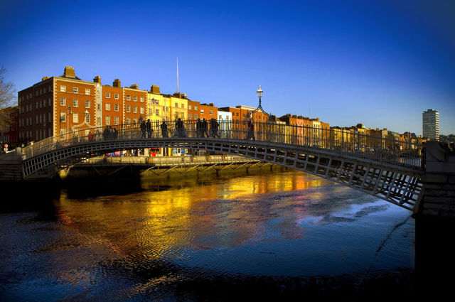 small-Ha'penny Bridge, Dublin (1)